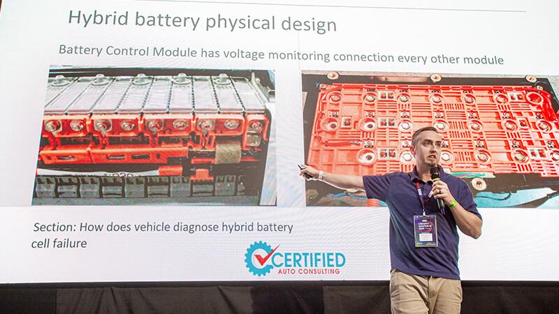 Peter Neilson - palestra sobre conserto de baterias de alta tensão - Circuito Doutor-IE 2019